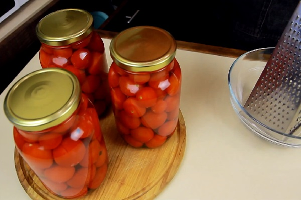 Рецепт помидоры в снегу с чесноком