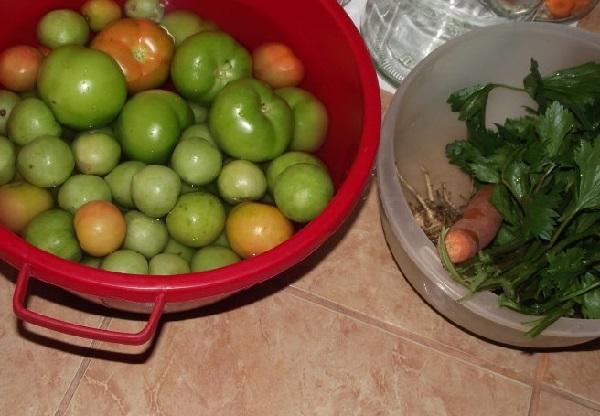 Квашеные зеленые помидоры на зиму
