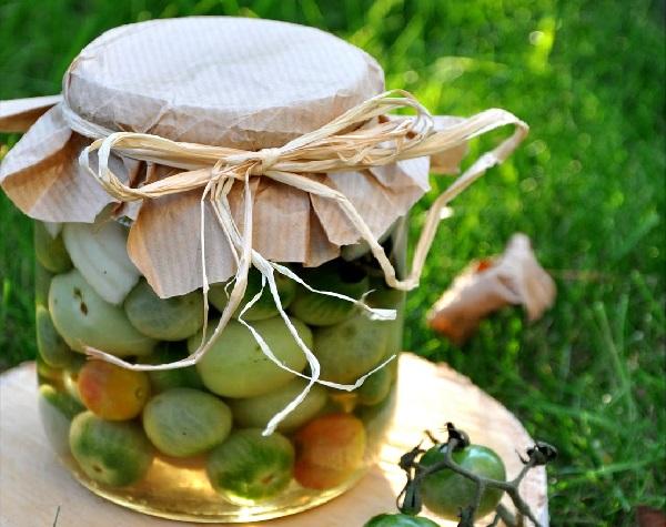 Квашеные помидоры на зиму в кастрюле зеленые