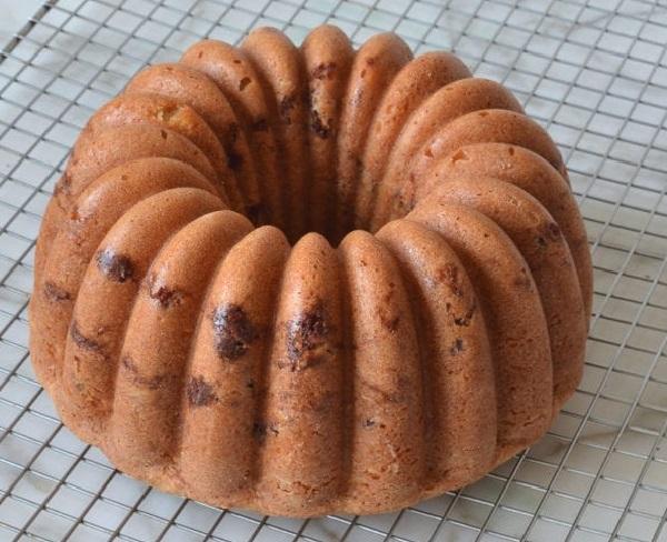Рецепт воздушного кекса в духовке на сметане