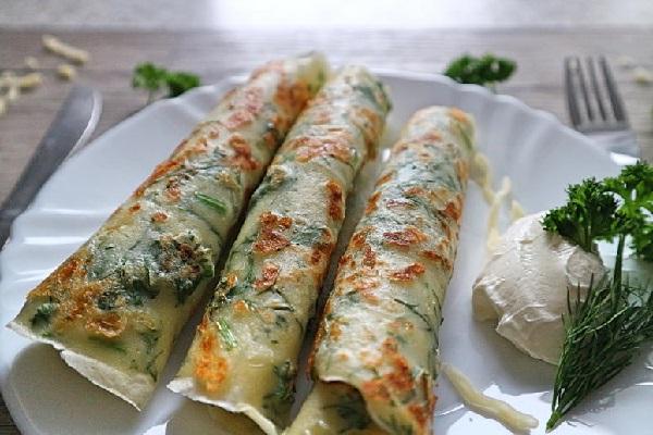 Блины с плавленным сыром и зеленью
